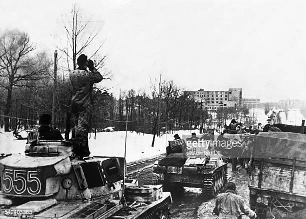 Stabilisierung der Front im Raum Donez / Dnjepr Charkow Panzerverbände dringen in das wiedereroberte Charkow einMärz 1943