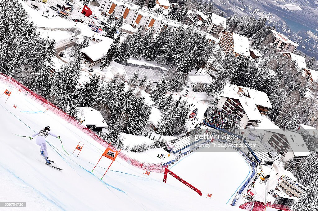 Stacey Cook of the USA competes during the Audi FIS Alpine Ski World Cup Women's Downhill Training on February 12, 2016 in Crans Montana, Switzerland.
