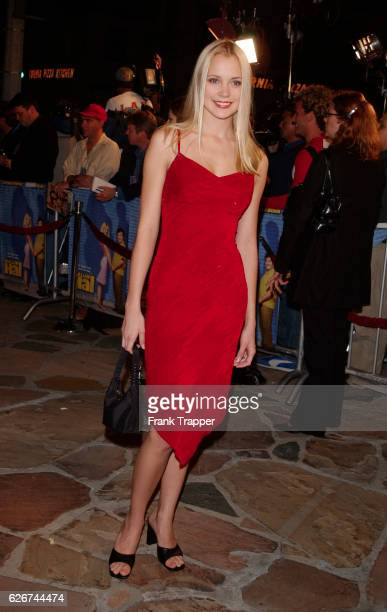 """Stacey Fuson arrives at the premiere screening of """"Shallow Hal."""""""