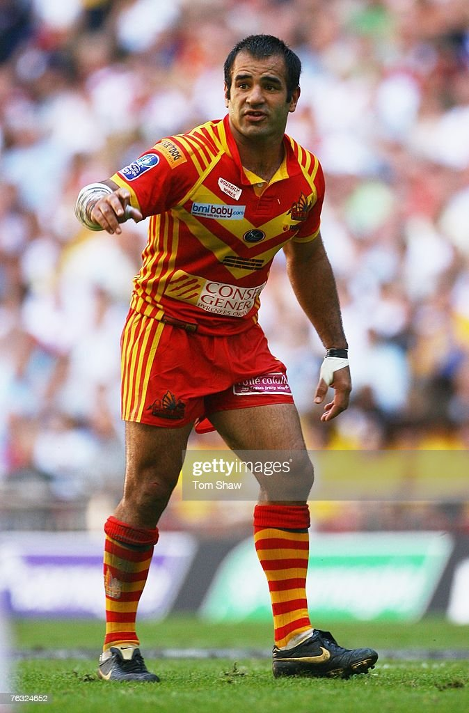 Stacey Jones of Catalans directs his players during the Carnegie Challenge Cup Final between St.Helens and Catalans Dragons at Wembley stadium on August 25, 2007 in London, England.