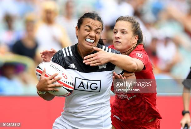 Stacey Waaka of New Zealand attempts to break away from the defence in the semi final match against Canada during day two of the 2018 Sydney Sevens...