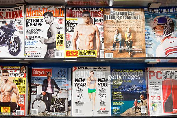 stack of magazines # 8 # l - magazine rack stock photos and pictures