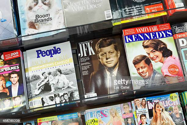 stack of magazines - manhattan magazine stock photos and pictures