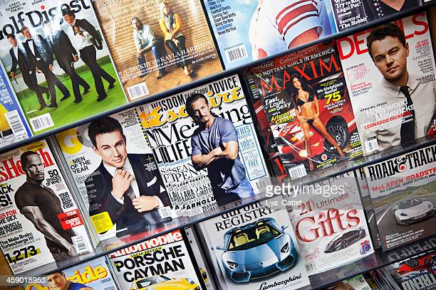 stack of magazines # 5 xxxl - magazine rack stock photos and pictures