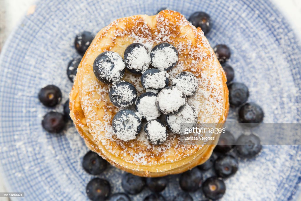 Stack of Pancakes with blueberries on plate : Stock-Foto