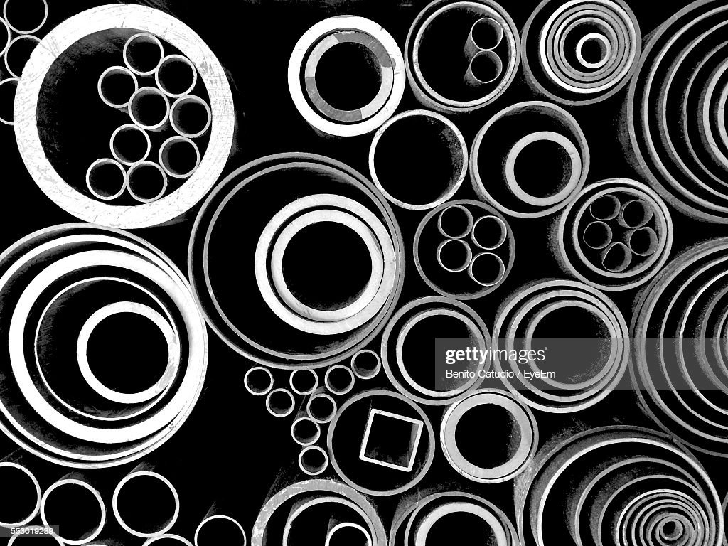 Stack Of Various Steel Pipes : Stock-Foto