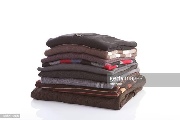 Regorgeant de vêtements