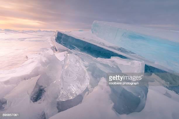 stacked iceberg at baikal lake - iceberg ice formation ストックフォトと画像