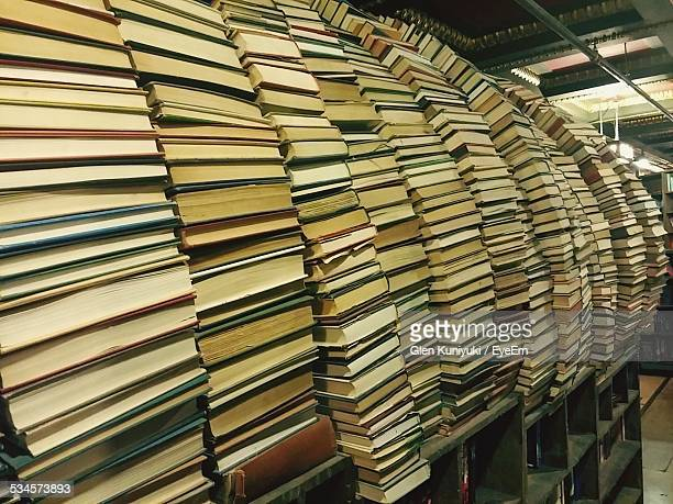 stacks of books - the last bookstore los angeles stock pictures, royalty-free photos & images