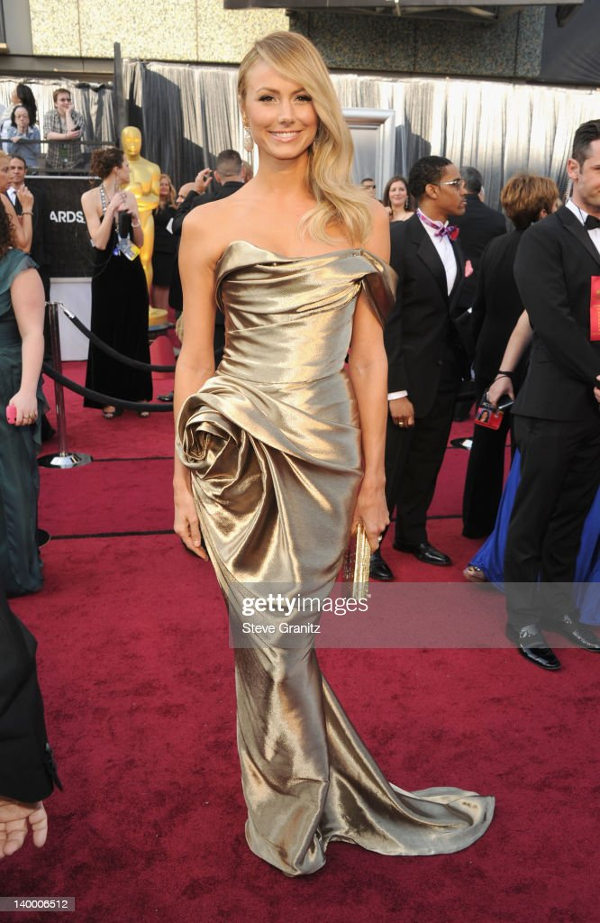 Stacy Keibler arrives at the 84th Annual Academy Awards held at the Hollywood & Highland Center on February 26, 2012 in Hollywood, California.