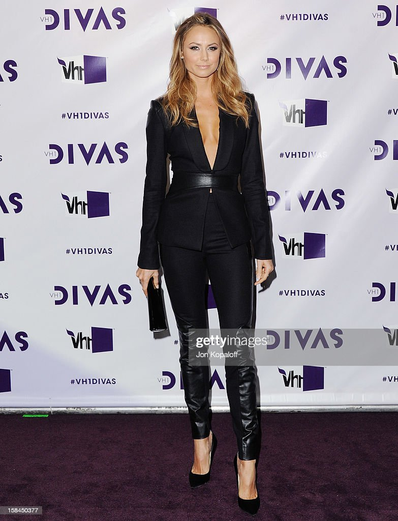 Stacy Keibler arrives at the 'VH1 Divas' 2012 at The Shrine Auditorium on December 16, 2012 in Los Angeles, California.