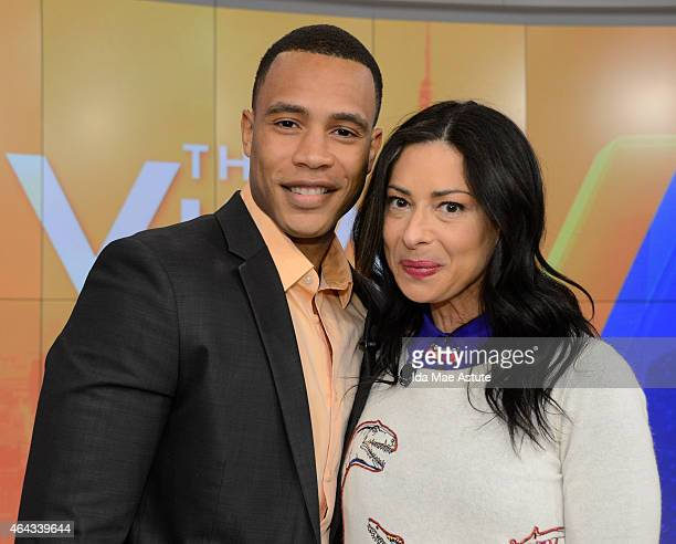 THE VIEW Stacy London and Samantha Ponder guest cohost Trai Byers Must Have MondaY flash sale hosted by lifestyle expert Tai Beauchamp Vine week...