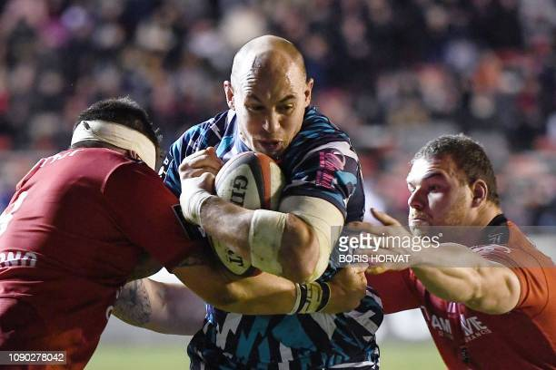 Stade Francais Italian number 8 Sergio Parisse runs with the ball during the French Top 14 rugby union match between Toulon and Stade Francais Paris...