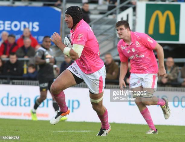 Stade Francais's Italian number 8 Sergio Parisse runs with the ball during the French Top14 rugby union match CA Brive versus Stade Français at The...