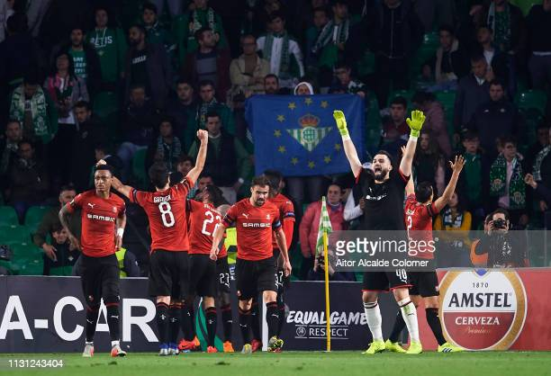 Stade Rennais celebrates victory after the UEFA Europa League Round of 32 Second Leg match between Real Betis v Stade Rennais at Estadio Benito...