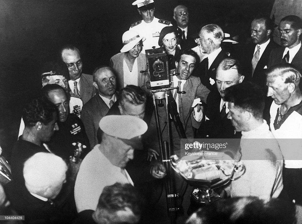 Soccer World Cup 1934 : Mussolini Giving The Cup To The Italian Team