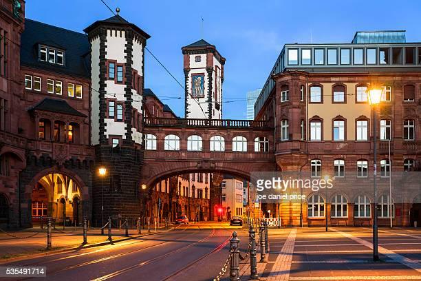 stadt frankfurt standesamt, bright of sighs, romerberg, frankfurt, hessen, germany - stadt stock pictures, royalty-free photos & images