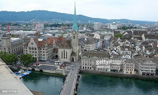Stadtansicht Zürich Münsterbrücke über den Limmat zum Fraumünster