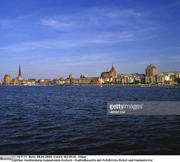 Stadtsilhouette mit Petrikirche und Marienkirche - 2000