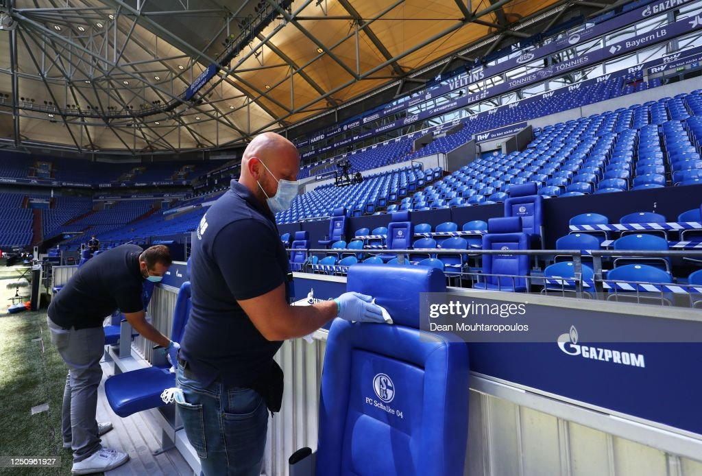 FC Schalke 04 v VfL Wolfsburg - Bundesliga : News Photo