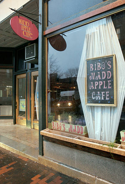 397d74dc2616 Bibo s Madd Apple Cafe on Forest Avenue in Portland. For 11 27 Taste ...