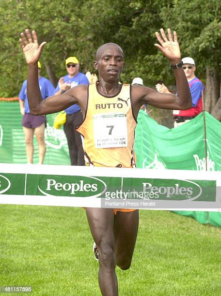 Staff Photo by Herb Swanson Sat Aug 04 2001 Evans Rutto of Kenya wins the Peoples Beach to Beacon 10K Saturday in Cape Elizabeth