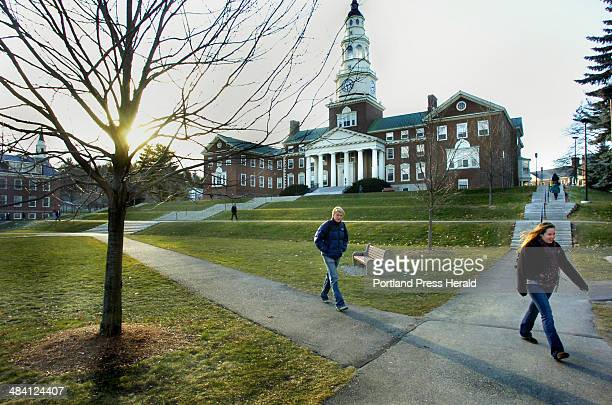 Staff Photo by John Ewing Wednesday December 7 2005 Students make their way to and from classes at Colby College in Waterville as they head into...