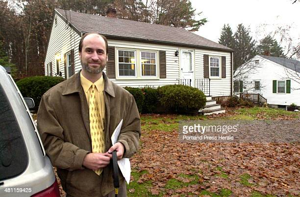 Staff Photo by John Patriquin Mon Nov 25 2002 Tim Paton is a house appraiser shown here at a home he appraised in Portland