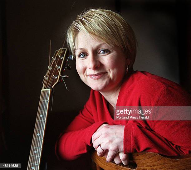 Staff Photo by John Patriquin Wed Apr 11 2001 Singer and song writer Laurie Jones a mother of two trying to build a music career from her home in...