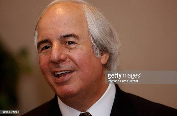 Staff Photo by Shawn Patrick Ouellette Tuesday April 13 2004 Corporate fraud guru Frank Abagnale talks with people following his seminar at the...