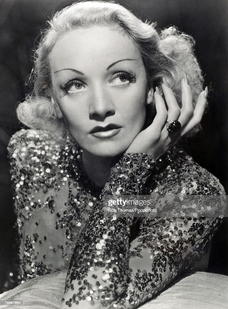 Stage and Screen. Cinema Personalities. pic: circa 1930's. German born film actress Marlene Dietrich : News Photo