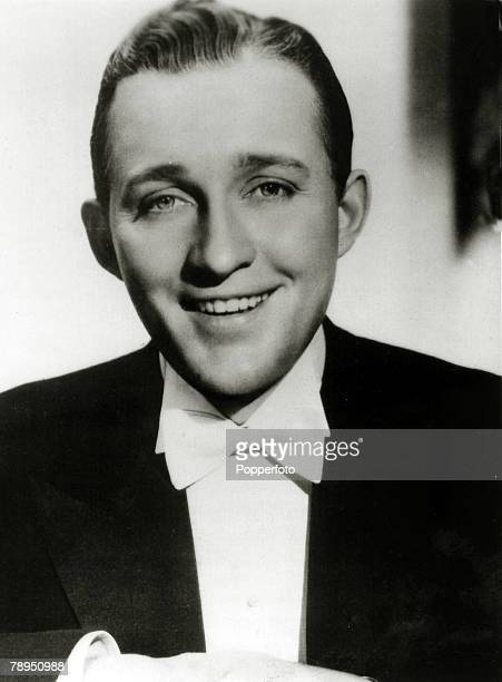 Stage and Screen Music / Personalities pic circa 1930 Bing Crosby portrait American singer Bing Crosby actor and singer famous for his crooning style...