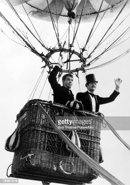 circa 1956 British actor David Niven right playing 'Phileas Fogg' with Cantinflas playing 'Passepartout' in the film 'Around The World In Eighty Days'
