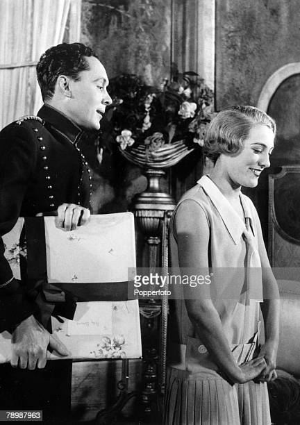 1954 Musical The Boyfriend at the Embassy Theatre London Anne Rogers playing Polly and Anthony Hayes in the role of Tony in a scene from the play