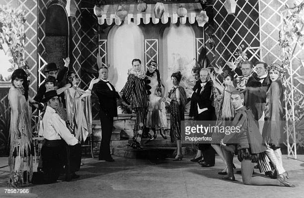 1954 Musical The Boyfriend at the Embassy Theatre London The play starred Anne RogersAnthony Hayes Hugh Paddick Joan SterndaleBennet John Rutland...