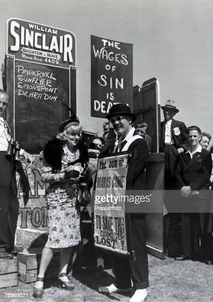 31st July 1947 English actress Hermoine Baddeley appearing in the film 'Brighton Rock' shooting a scene on Brighton racecourse