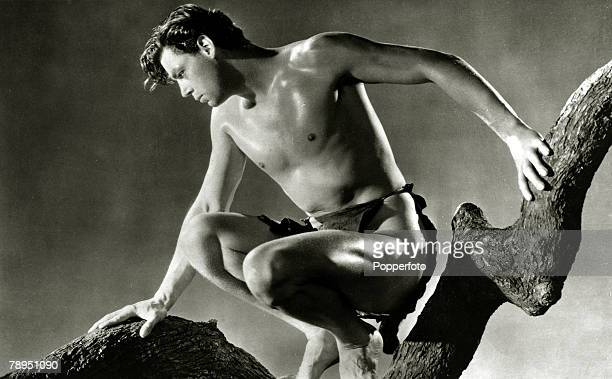 """Stage and Screen, Sport, Personalities, pic: circa 1934, Actor Johnny Weissmuller in the film """" Tarzan And His Mate"""", Johnny Weissmuller, born in..."""