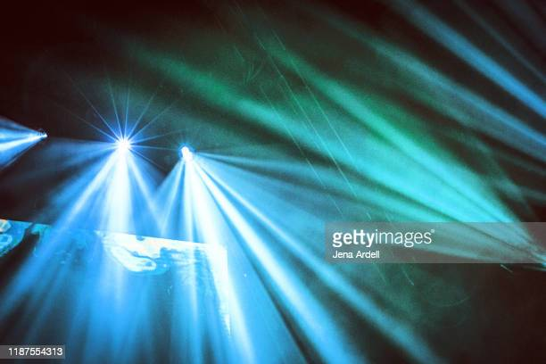 stage lights, concert lights, concert background, stage background - concert hall stock pictures, royalty-free photos & images