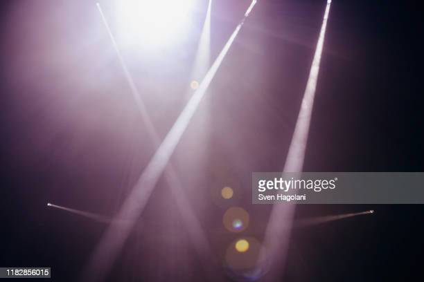 stage lights - stage performance space stock pictures, royalty-free photos & images