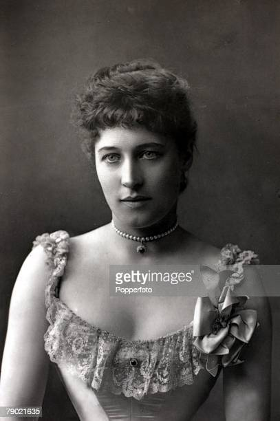 Stage/Theatre Lillie Langtry known as the Jesey Lily portrait She was a society queen and famous actress and first appeared on the London stage in...
