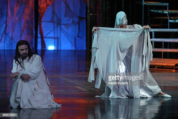 Staging of the play 'Youssef et Zoleikha' by renowned theatre director Pari Saberi at Tehran's Vahdat Hall, 28th January 2003. Due to the Islamic...