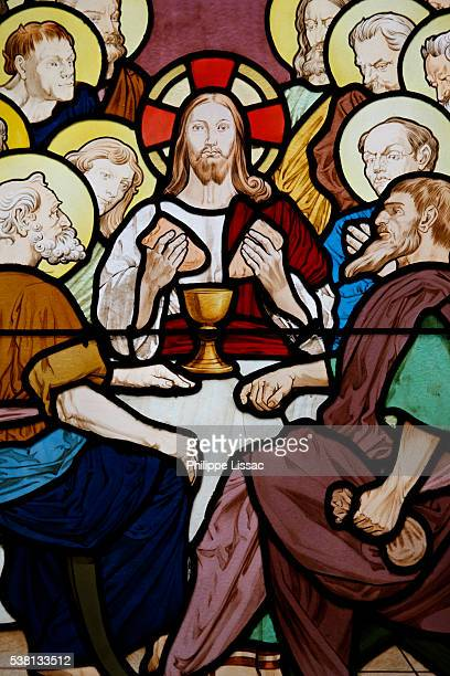 stained glass in saint-honoré d'eylau church : the last supper - christendom stockfoto's en -beelden
