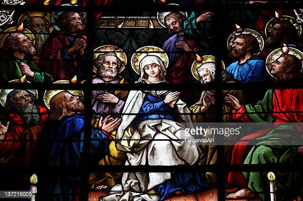 stained glass showing pentecost scene - pingst bildbanksfoton och bilder