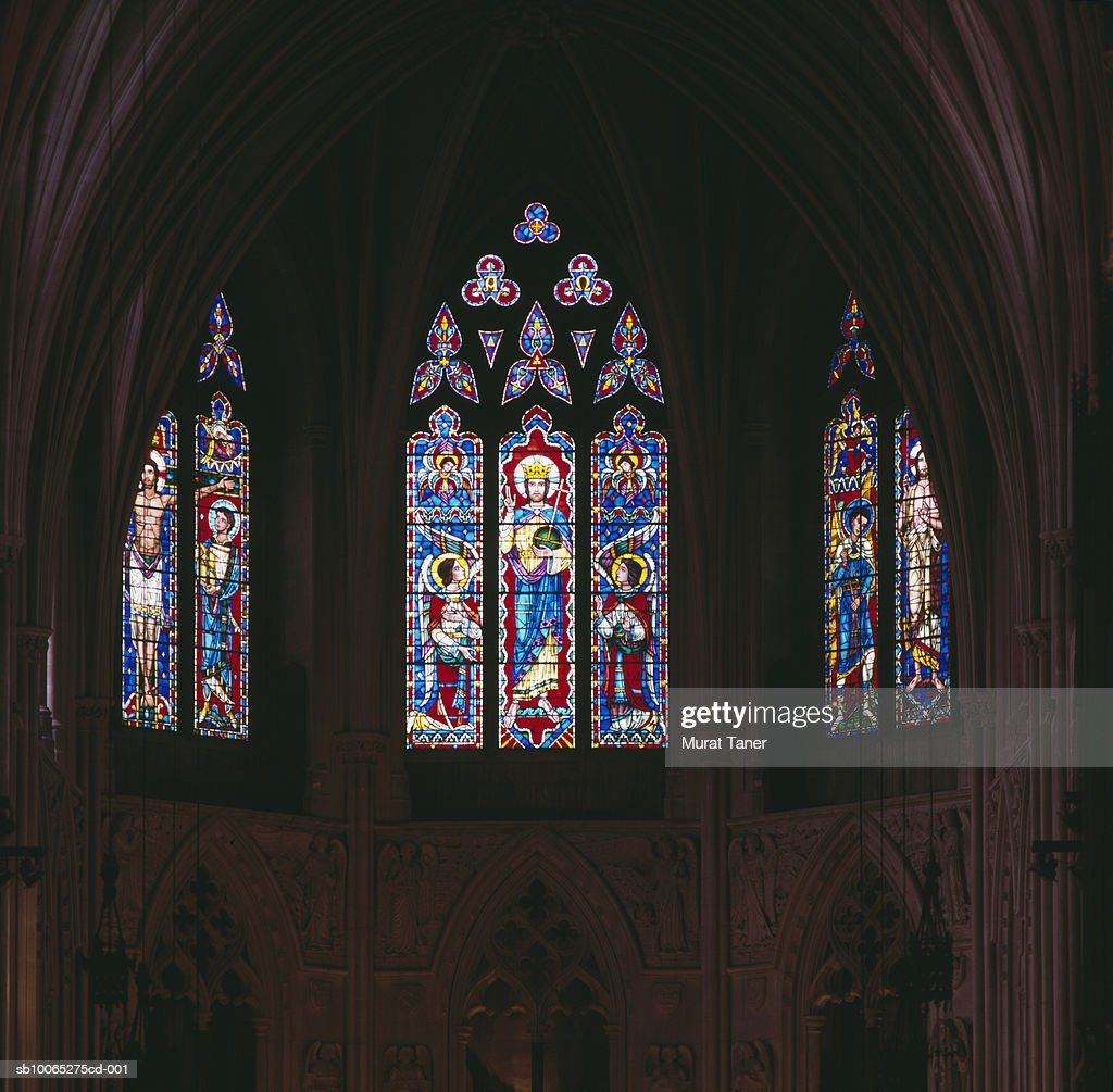 Stained glass windows in National Cathedral, close-up : Foto stock