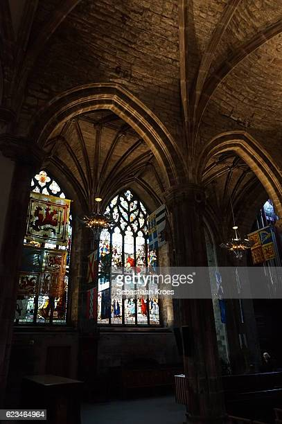stained glass windows of the cathedral of saint giles, edinburgh, united kingdom - st. giles cathedral stock pictures, royalty-free photos & images