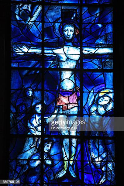 stained-glass window in reims cathedral - marc chagall stock-fotos und bilder