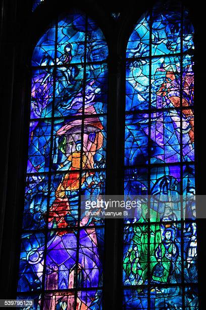 stained-glass window of reims cathedral - marc chagall stockfoto's en -beelden