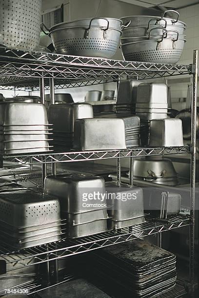 stainless steel kitchen supplies - küchenbedarf stock-fotos und bilder