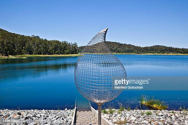 Stainless steel rod sculpture 'The Drip' by Peter Allison at Cowarra Off-Creek Dam.