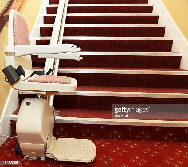 elevador de escada para deficientes - elevador de escada imagens e fotografias de stock